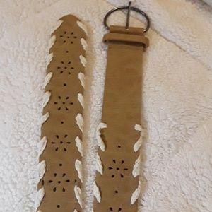 Womans 14p belt